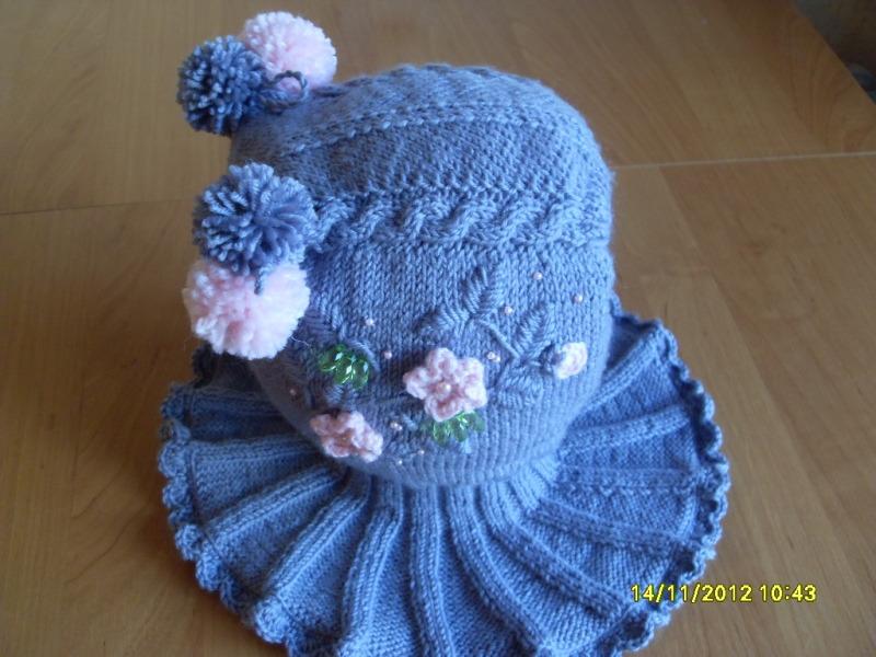 Связать крючком шапку-шлем для девочки